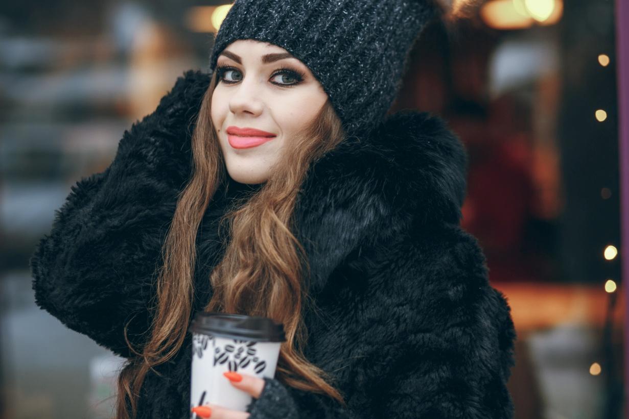 Najmodniejsze wzory damskich kurtek na zimę w ubiegłym sezonie