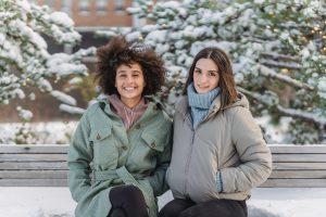 Jak wybrać dobry materiał na zimową kurtkę zimową?